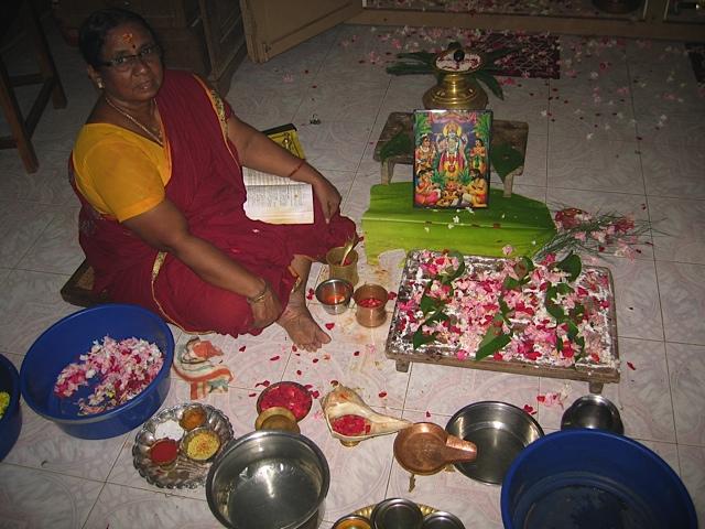 ashram-elke-dag-puja